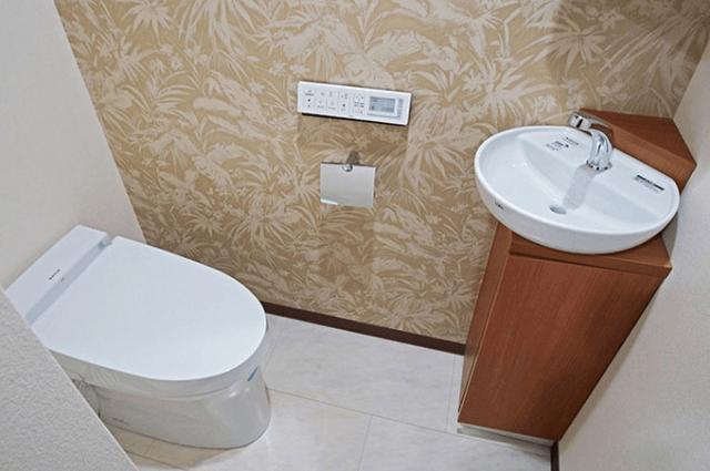狭い暗いトイレをdiyやリフォームでおしゃれにする方法参考にしたい